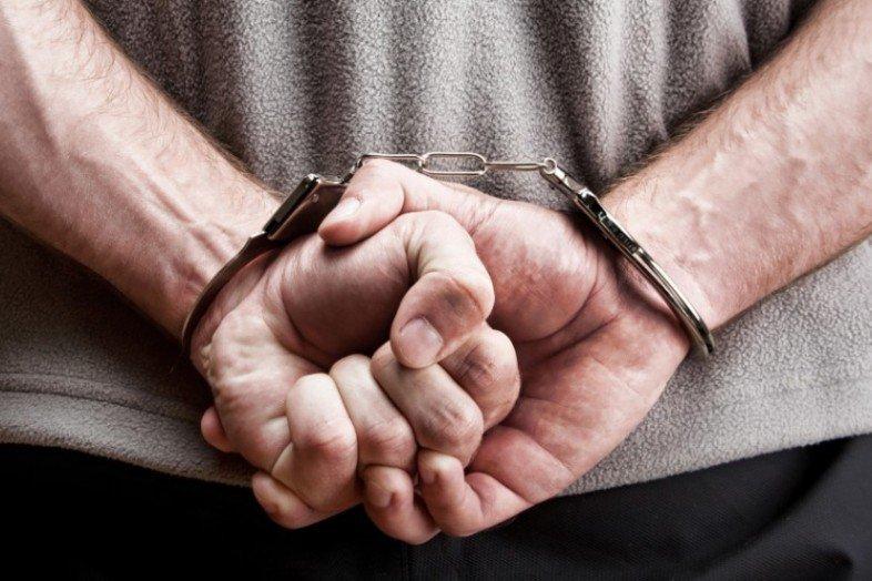 ВЧувашии гастролер-рецидивист ограбил аптеку на72 тысячи руб.