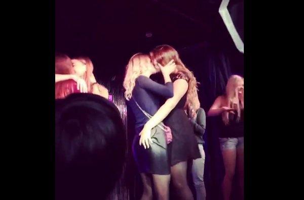 Первокурсницы целовались взасос на посвящении в студенты в Волгограде