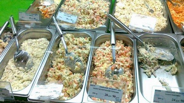 Массовое отравление магазинными салатами случилось вВолгограде