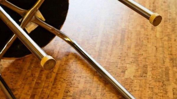 Ревнивый волгоградец дополусмерти избил возлюбленную металлическим стулом