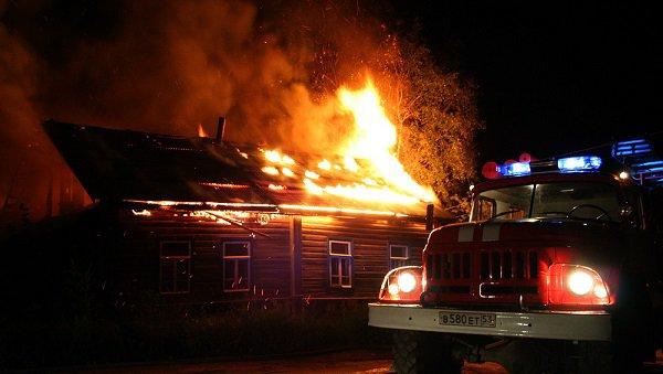 Под Волгоградом при пожаре погибли 64-летний мужчина и57-летняя женщина