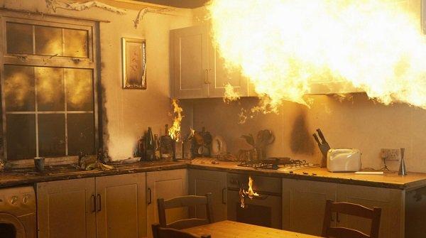 Впроцессе пожара наюге Волгограда эвакуировали 15 человек, 1 умер