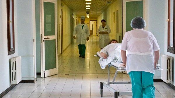 ВВолгограде маршрутка врезалась вбетонную опору, в клинике 6 человек