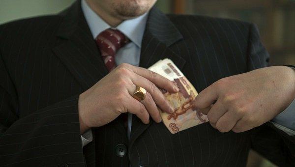 Юрист поназначению брал 400 000руб. зауменьшение объема обвинения