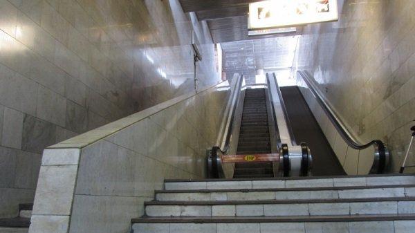 Тоннельные эскалаторы волгоградской подземки остановили свою работу