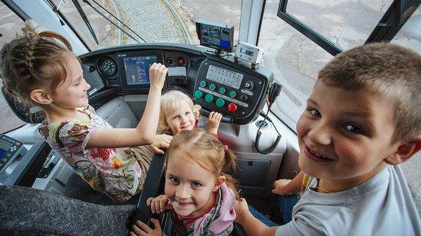 Проезд для всех школьников вВолгограде стал бесплатным
