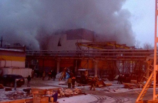Впромзоне наюге Волгограда горел склад с пластмассовой тарой