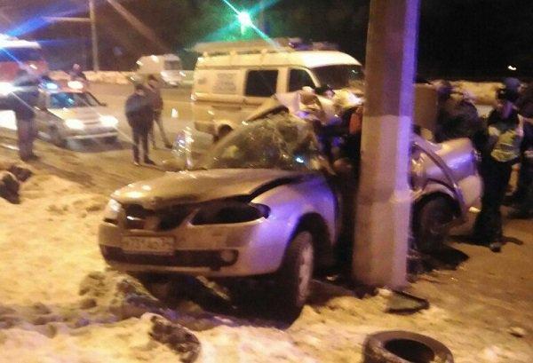 Один человек умер, двое пострадали встрашном ДТП насевере Волгограда
