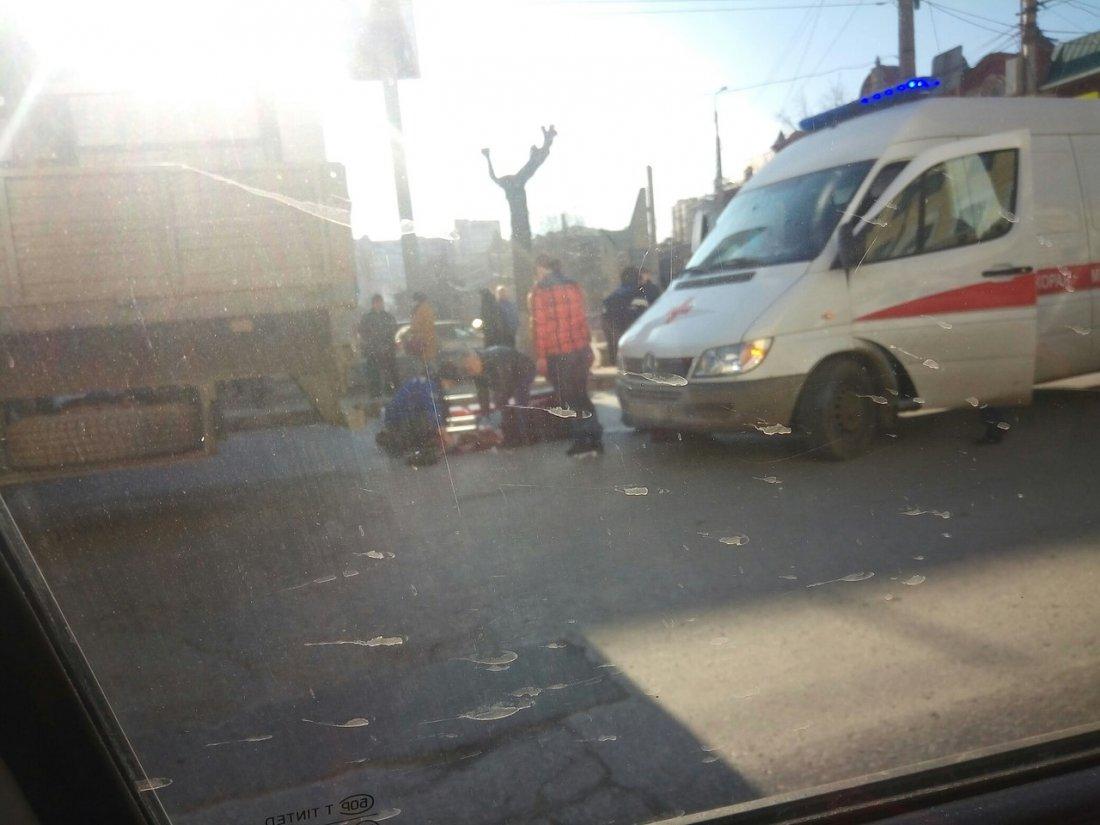 ВВолгограде груженая фура протащила женщину-пешехода— видео смертоносного ДТП будоражит