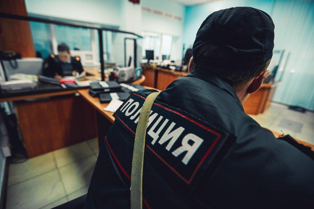 ВВолгограде задержаны двое рецидивистов, ограбивших девушку вподъезде жилого дома