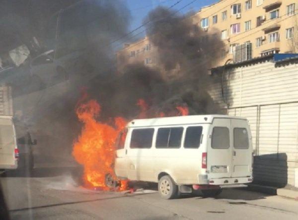 ВСоветском районе Волгограда загорелась маршрутка
