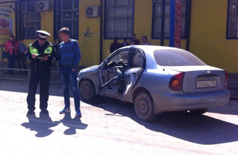 ВАстраханской области женщину зажало вавтомобиле после ДТП