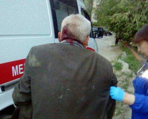 ВВолгограде школьник пробил камнем голову пожилого бомжа
