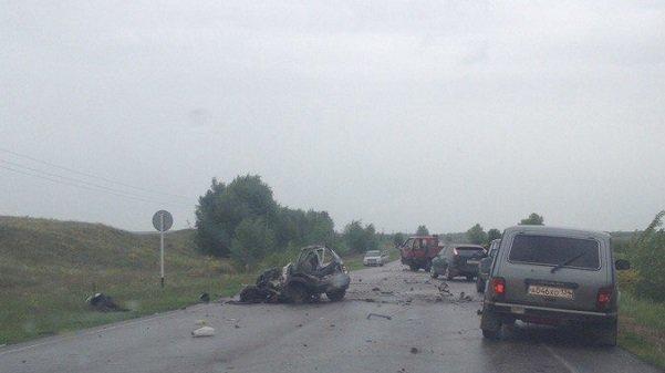 Под Волгоградом в трагедии фургона и«Оки» погибло два человека