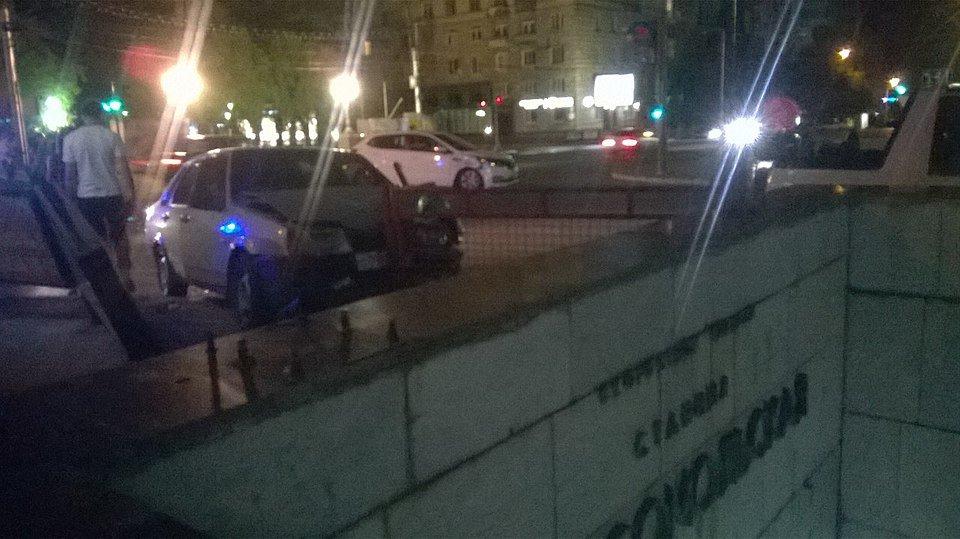 Вцентре Волгограда встолкновении ВАЗа и Кия Rio ранены три девушки