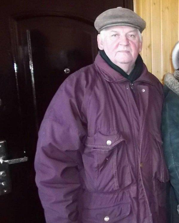 В Волгограде пятый день разыскивают пенсионера в бордовом пуховике