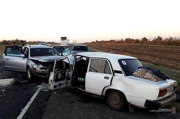 На московской трассе женщина за рулем иномарки угробила троих человек в лобовом ДТП